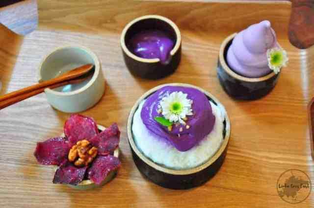 Cafe Bora   Linda Goes East