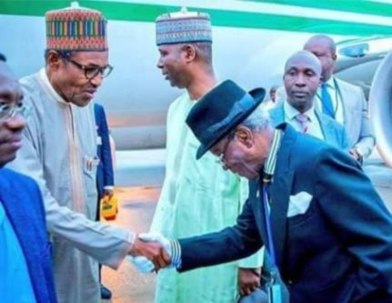 Caption this photo of Nigeria's 82 year old ambassador to US welcoming President Buhari to New York