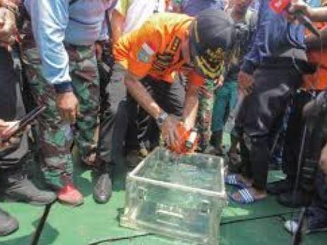 Update: Black Box from Lion Air plane crash inIndonesia has been retrieved