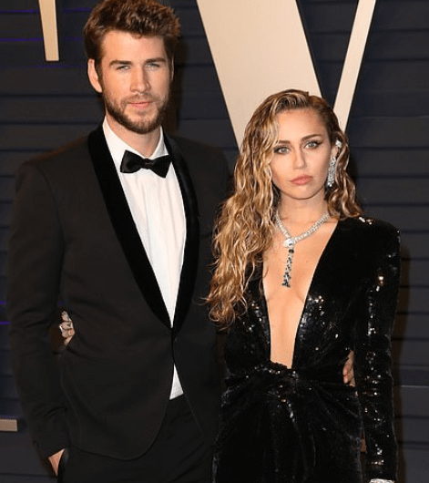 , Miley Cyrus takes to Twitter to strongly deny cheating on Liam Hemsworth and reveals she still loves him, All 9ja