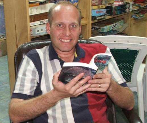 Controversial US pastordeported from Rwandaas authorities shut down his religious radio station