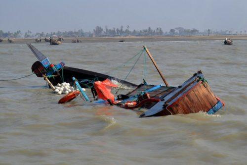 At least 12 die in Niger boat mishaps