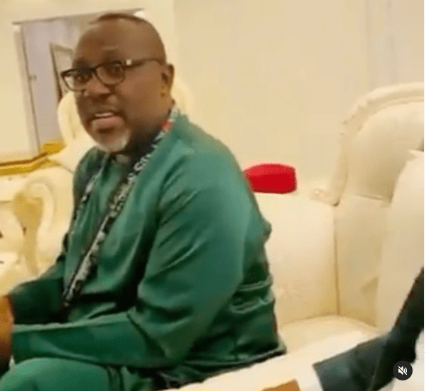 Video of Rochas Okorocha and family in worship mode