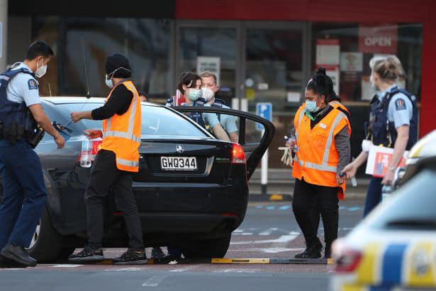 Suspected ISIS extremist killed after stabbing spree in New Zealand shopping centre 5
