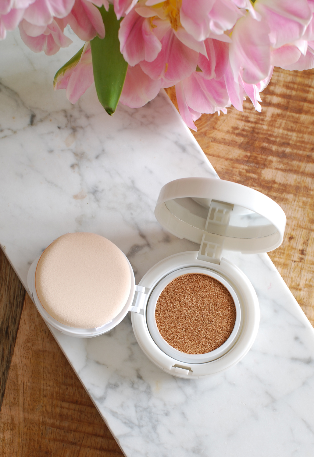 Pure Light Cushion Foundation Yves Rocher beige 200 light foundation review lifestyle by linda