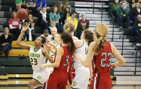 Girls' Basketball falls to Parkway South 35-55