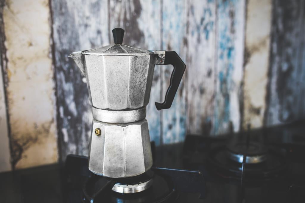 WEB_kaboompics.com_Vintage Moka Espresso Coffee Pot - Maker