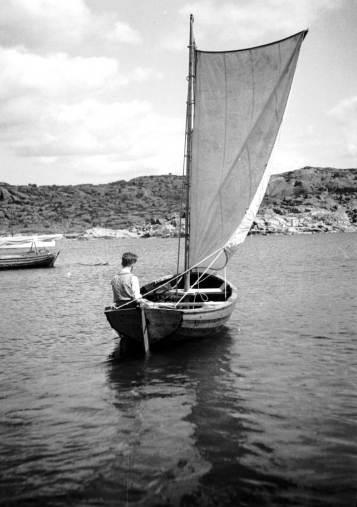 1935, Särö, Lasse i bohusjullen Rockan