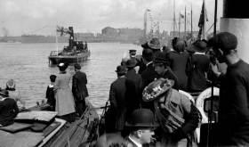 """1915, 3 maj, sjösättning av pansarskeppet """"Sverige"""" vid Götaverken i Göteborg"""