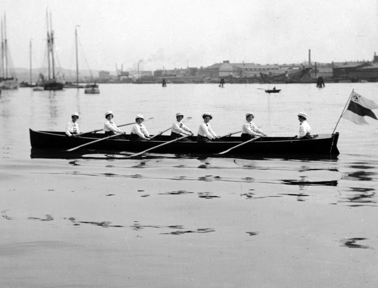 1909, GRK:s damlag i gigg i Göteborgs hamn