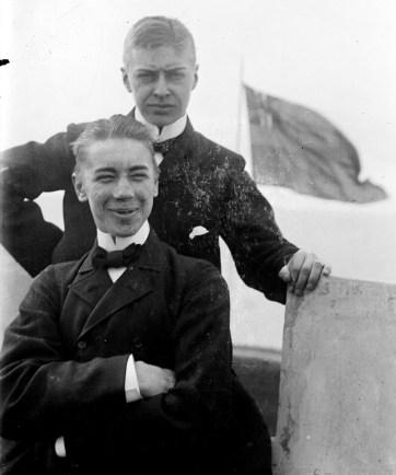 1901, Anders Österling och Per Flensburg på villa Vegga i Limhamn