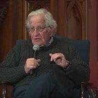 Noam Chomsky: USA:s Extraterritoriella räckvidd är dess egen skandal