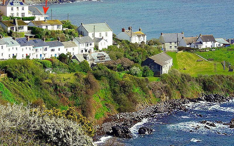 Boac Villa self catering Apartment - location in Coverack Cornwall