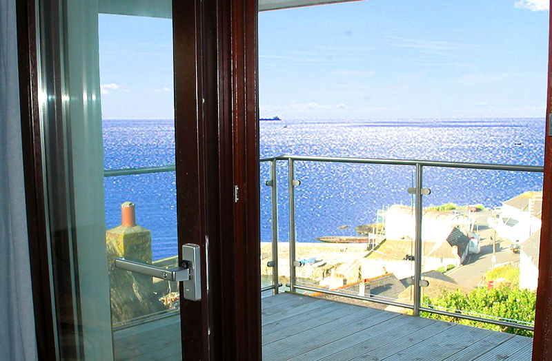 Self Catering Cornwall - sparkling seas
