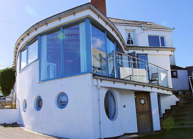 Boak Villa cottage in Coverack Cornwall