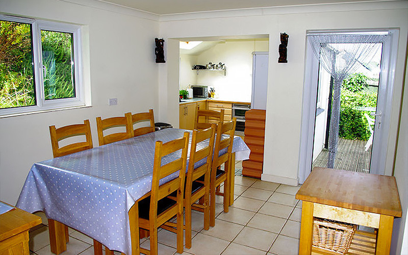 Chymor Cottage - dining area - self catering cornwall