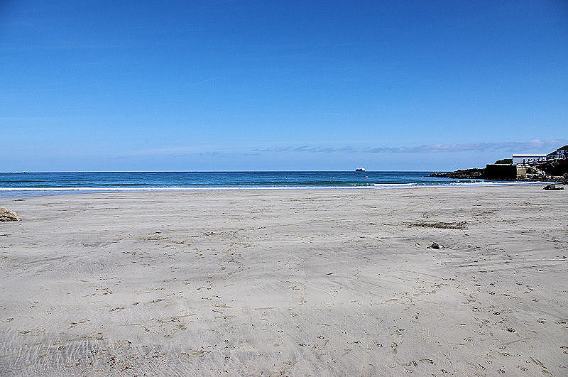 Coverack Beach - low tide
