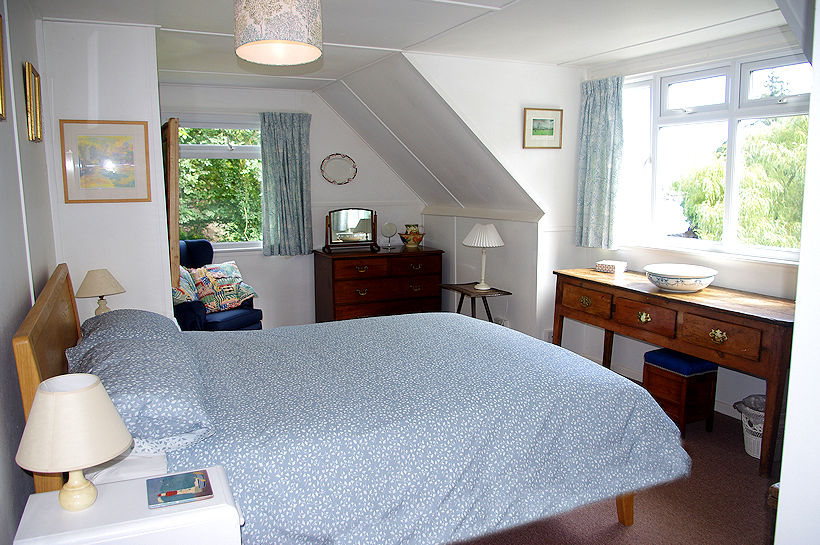 Cornwall Cottages - Curlew Cottage bedroom - Self Catering from Lindford House