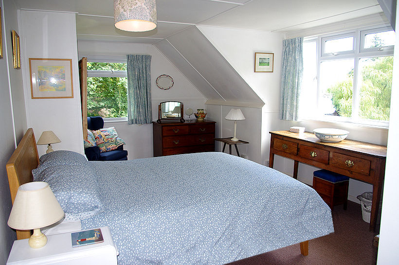 Curlew Cottage Cornwall bedroom