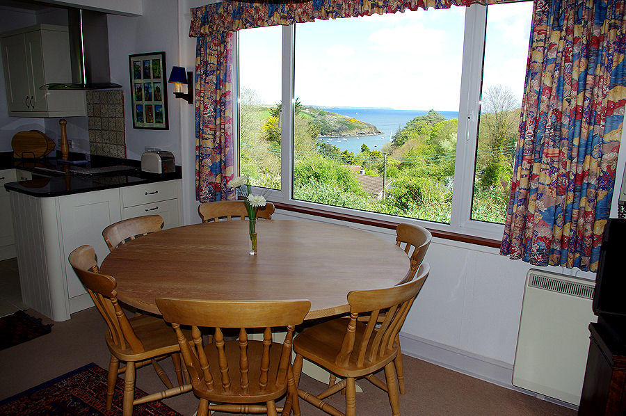 Dell Cottage in Cornwall - self catering from Lindford House