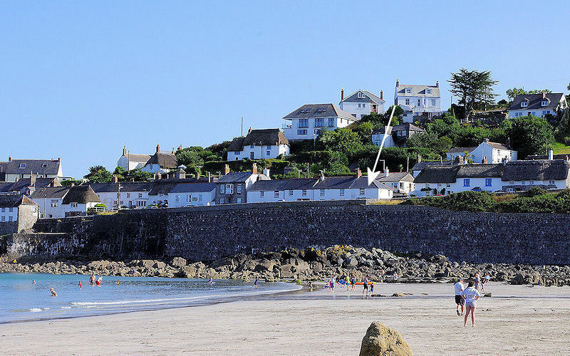 Self Catering in Cornwall - on the seafront