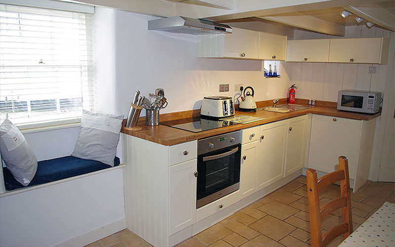 Harbour Cottage - Kitchen Diner - Coverack Cornwall