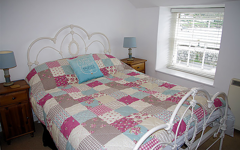 Harbour Cottage Coverack - Bedrooms - Self Catering in Cornwall
