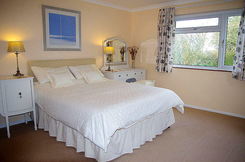 Self Catering Cornwall - Meadow Cottage Bedroom