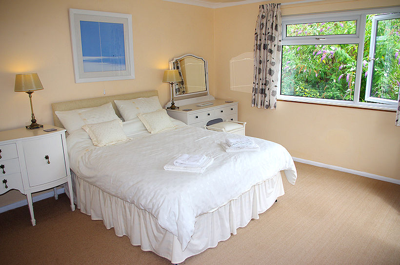 Luxury bedroom - Self Catering Cottage Cornwall
