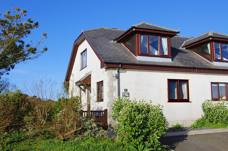 holiday property with sea views cornwall