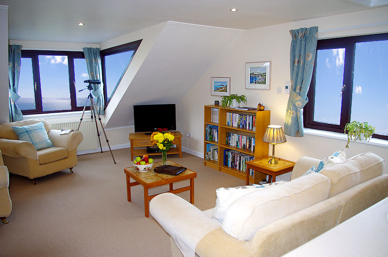 Cornwall cottages with telescope and sea views