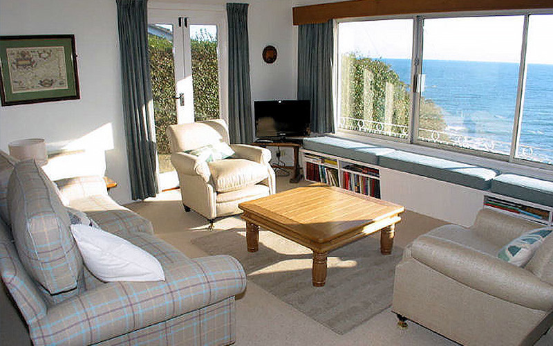 Pindos Cottage - sea view living room / lounge - self catering in Cornwall