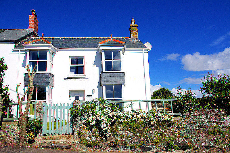 Cornwall Cottages - Select Self Catering properties in Cornwall from Lindford House