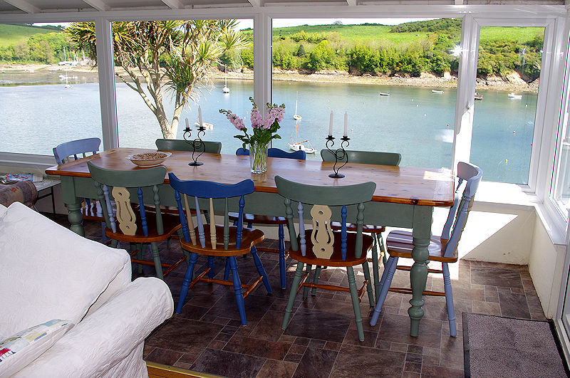 Self Catering Gillan Cornwall - just watching the boats and the world go by