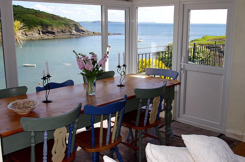 Self Catering Cornwall - imagine eating here? Gillan Creek