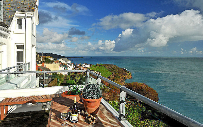 Seagulls Cottage - self catering - sea views from the balcony