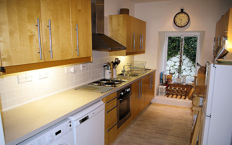 Seagulls Cottage - Kitchen area - Self Catering Cornwall from Lindford House