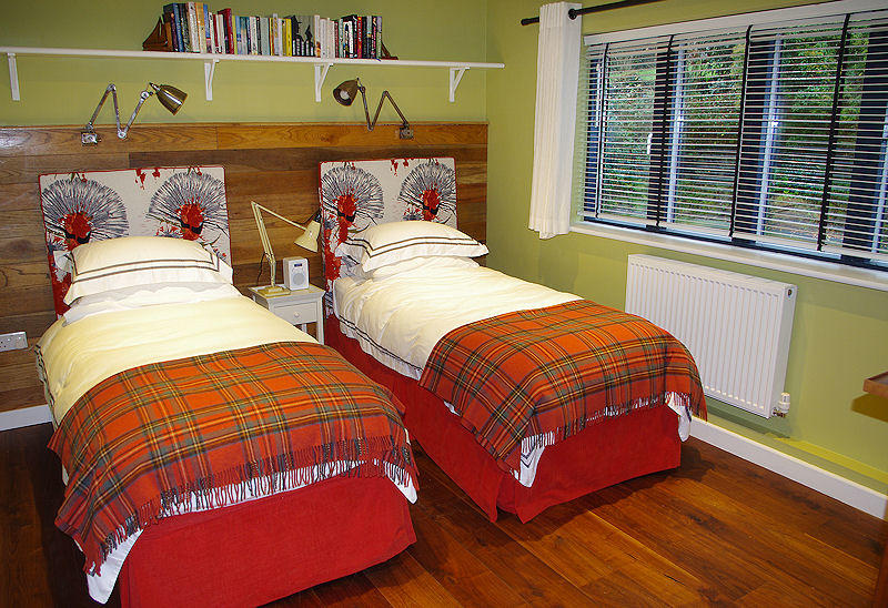 Cornwall Cottages - twin single beds - Self Catering Lindford House
