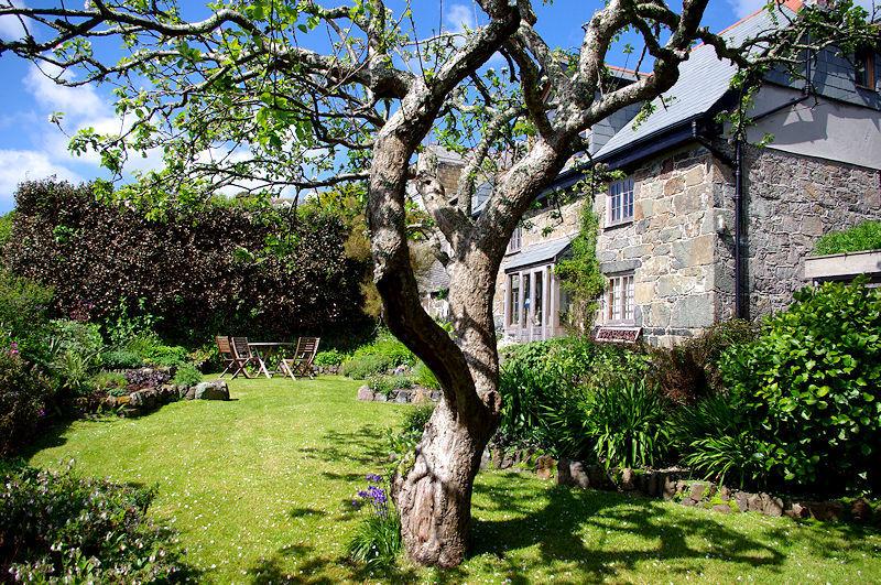 Cornish garden cottage cornwall