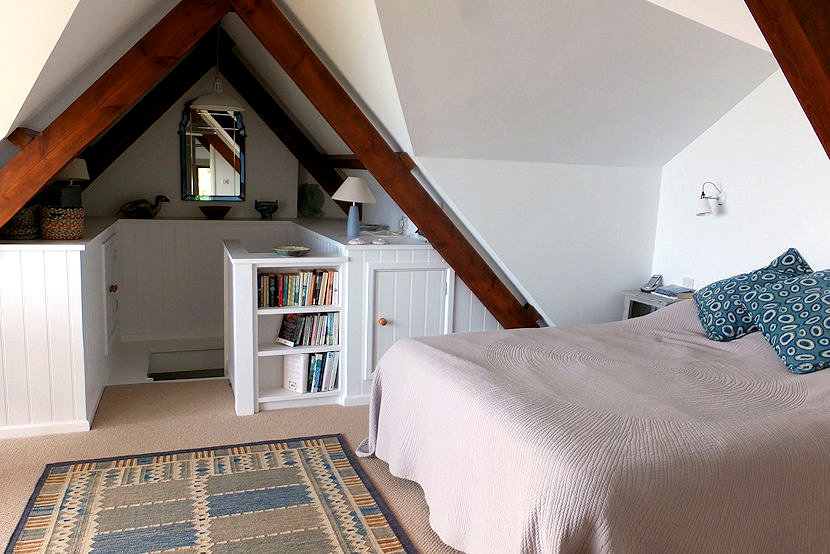 Sunny side - attic bedroom - self catering cornwall