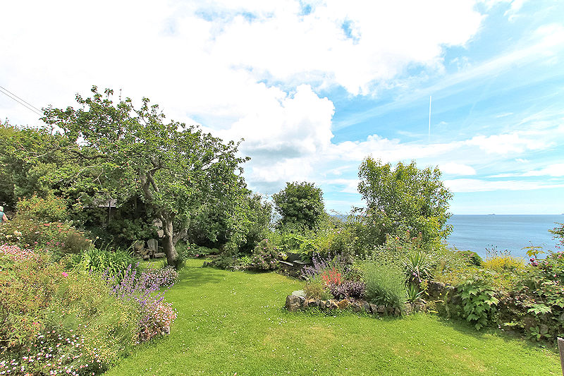 self catering with sea views cornwall