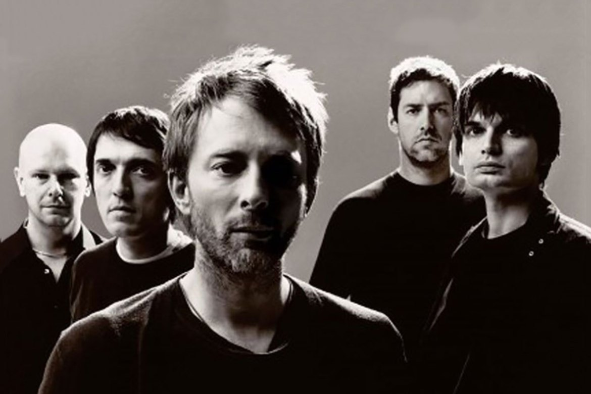 photos-emerge-of-radiohead-hard-at-work-in-the-studio-1