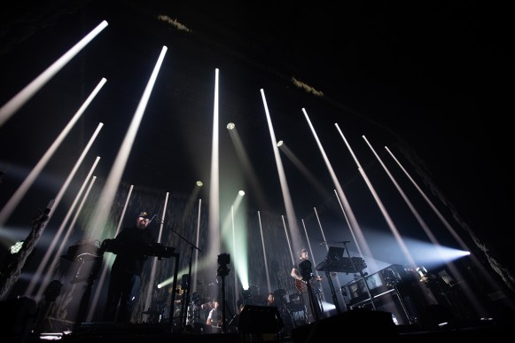 Bon Iver live. photo credits ©Vincent Arbelet