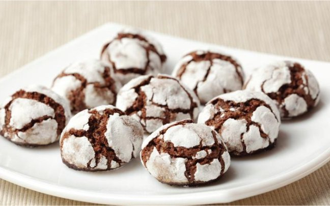 chocolate crinkles-christmas