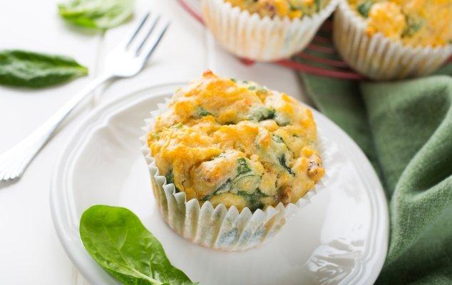 Cheesy Spinach & Ham Muffins