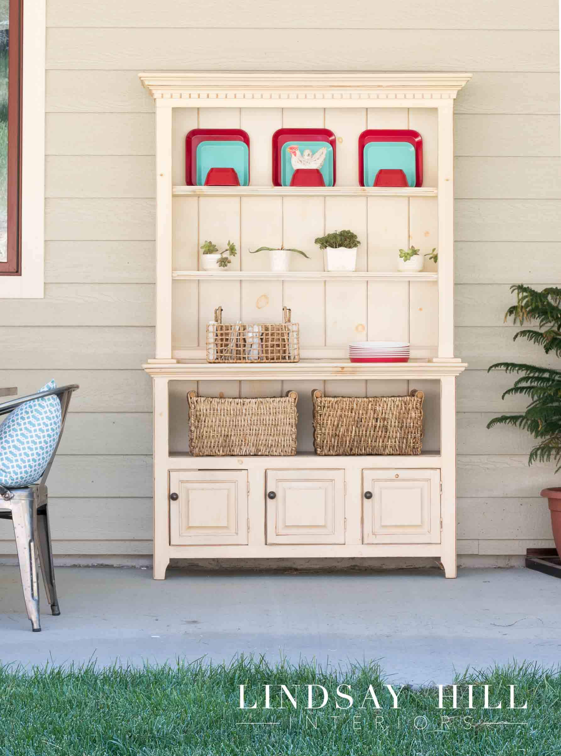 Attrayant Store Backyard Entertaining Essentials In A Handy Spot