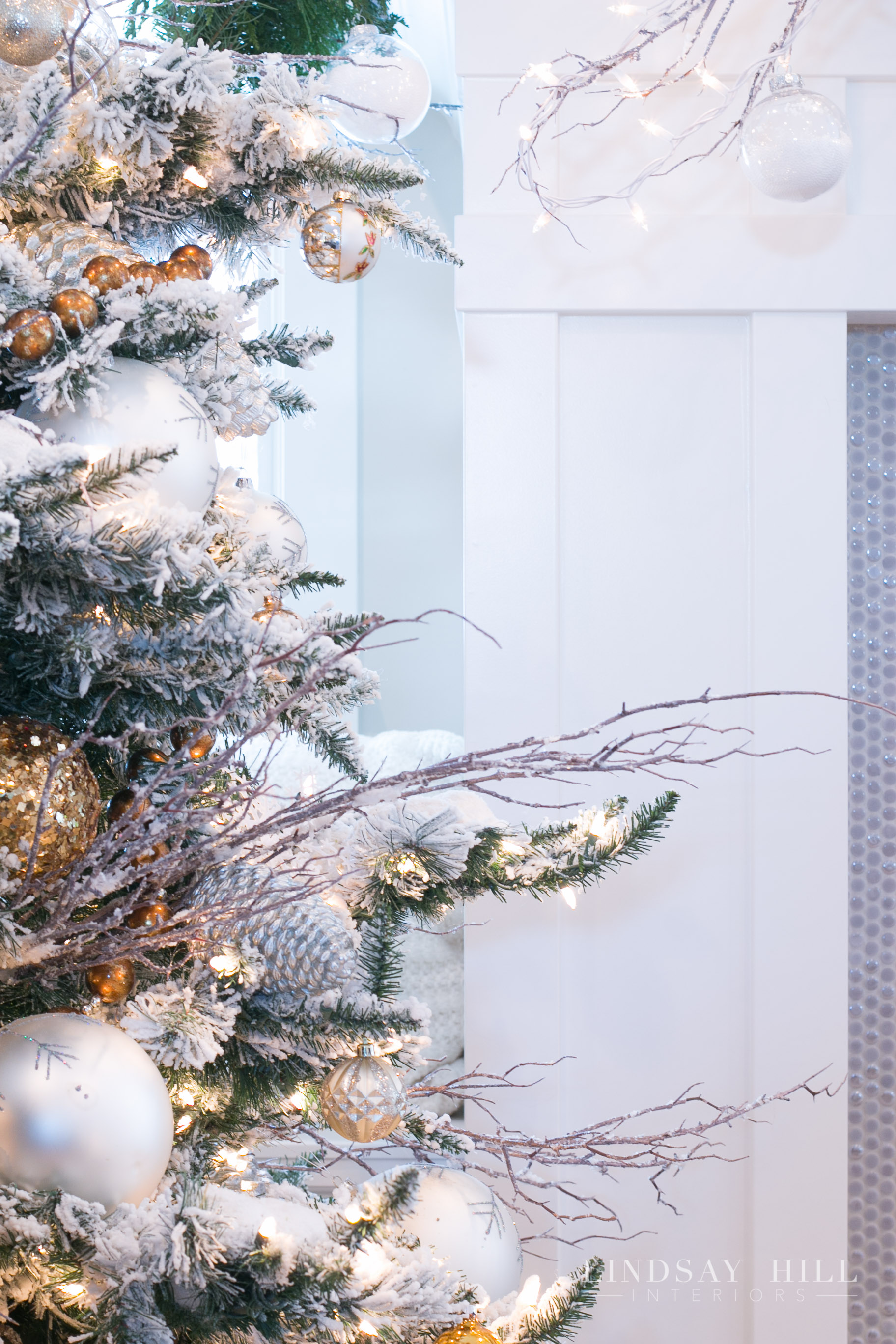 lindsay hill interiors living room christmas tree detail