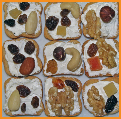 Mendiants au fromage sur toasts