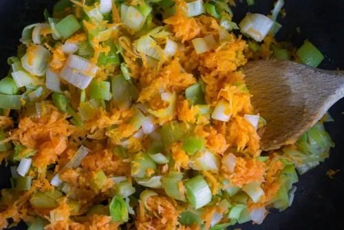 Poireaux et carottes étuvés