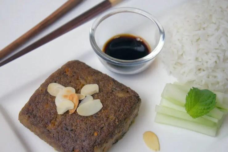 Burger vegan au tofu, champignons et miso brun
